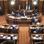 Unionization amendment clears Senate