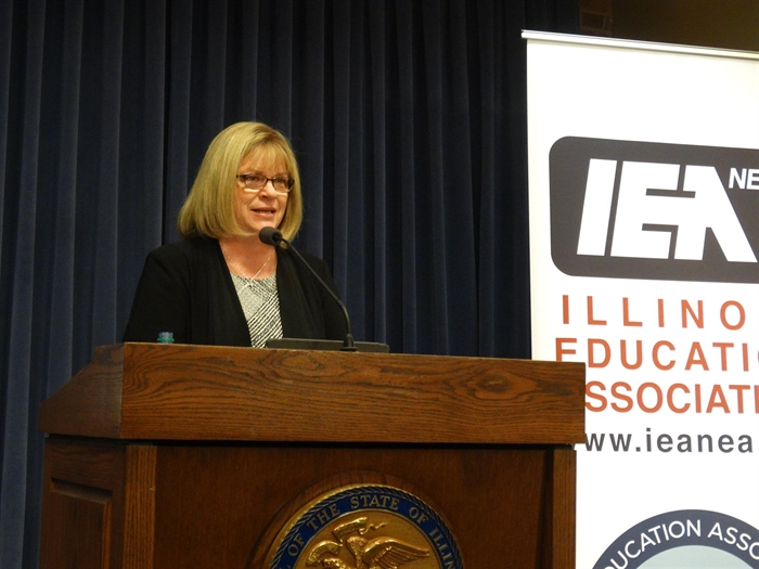 Survey finds pessimism toward Illinois public schools
